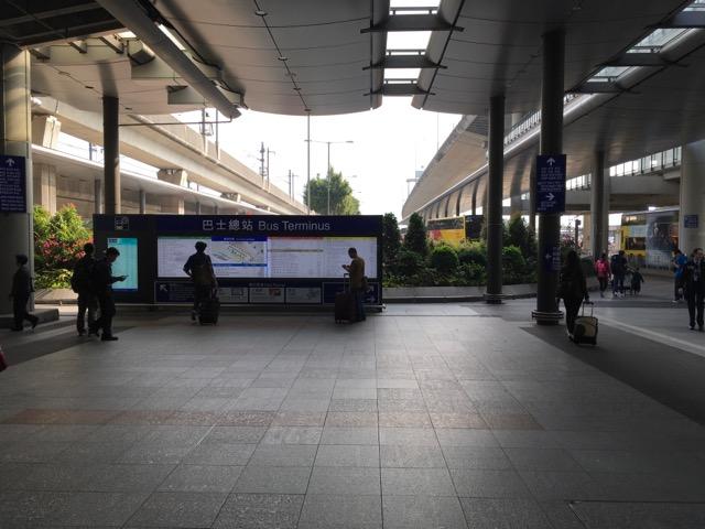 香港空港バス停