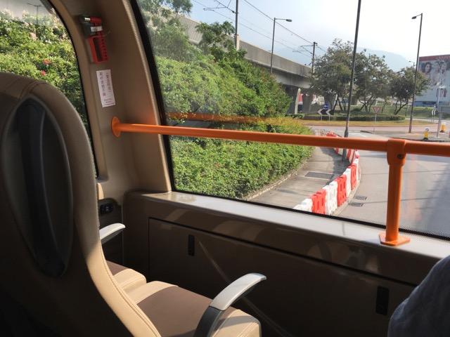 香港バス車内